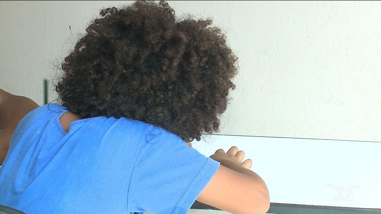 Por corte de cabelo, diretora impede matrícula de criança em escola de São José de Ribamar