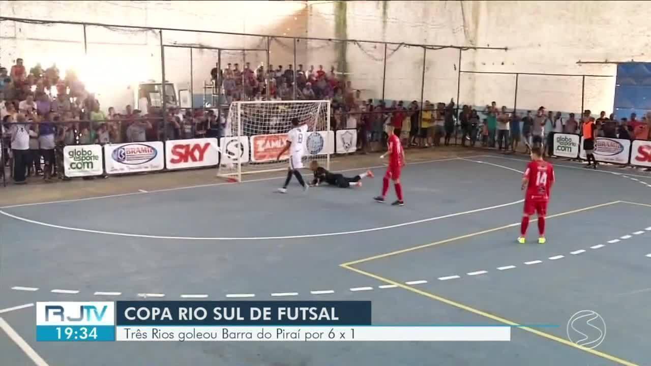 Três Rios goleia Barra do Piraí pela Copa Rio Sul de Futsal