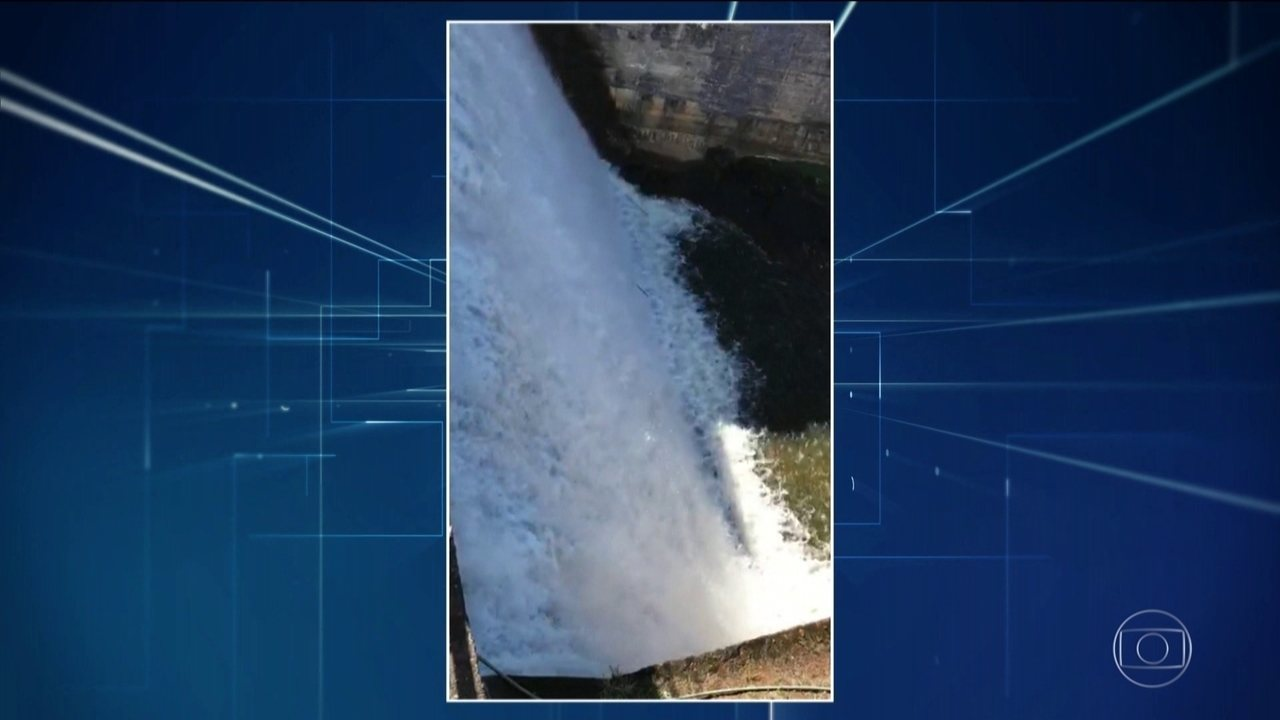 Risco de rompimento de barragem obriga moradores de Rio Preto (MG) a saírem de casa