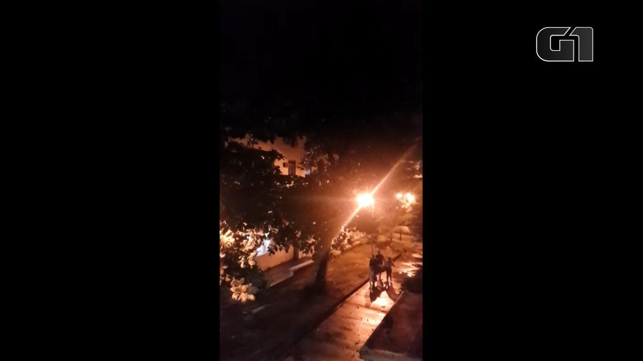 Moradores relatam tiros na Praça Seca