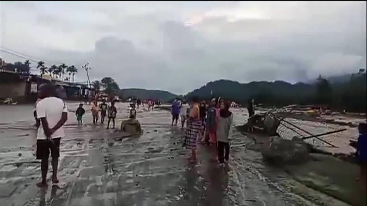 Enchentes na Indonésia deixam 58 pessoas mortas