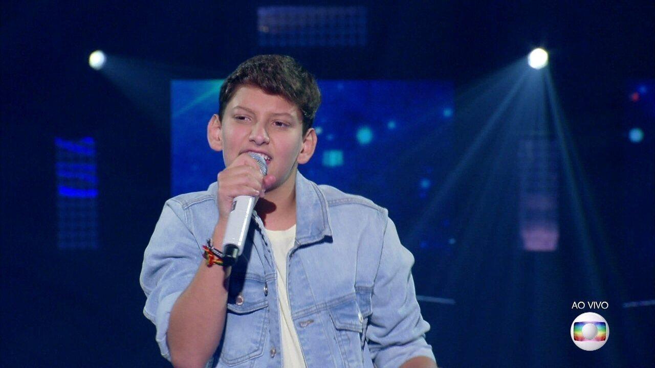 João Napoli canta