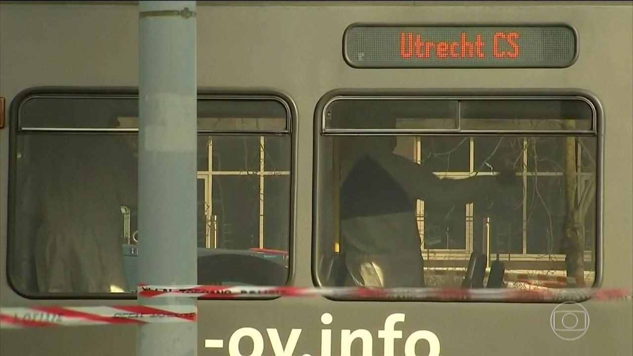 Assassino abre fogo contra um bonde e mata três pessoas na Holanda