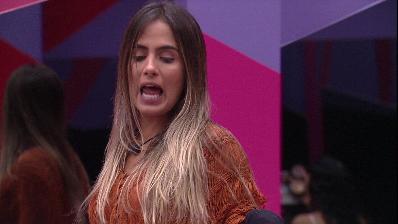 Carolina planeja trollar Alberto: 'Não me dou com esse italianinho'