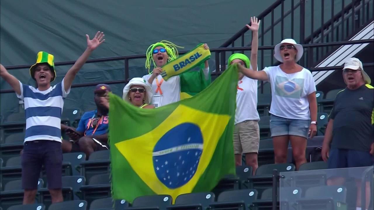 Público brasileiro aplaude o tenista mineiro Marcelo Melo