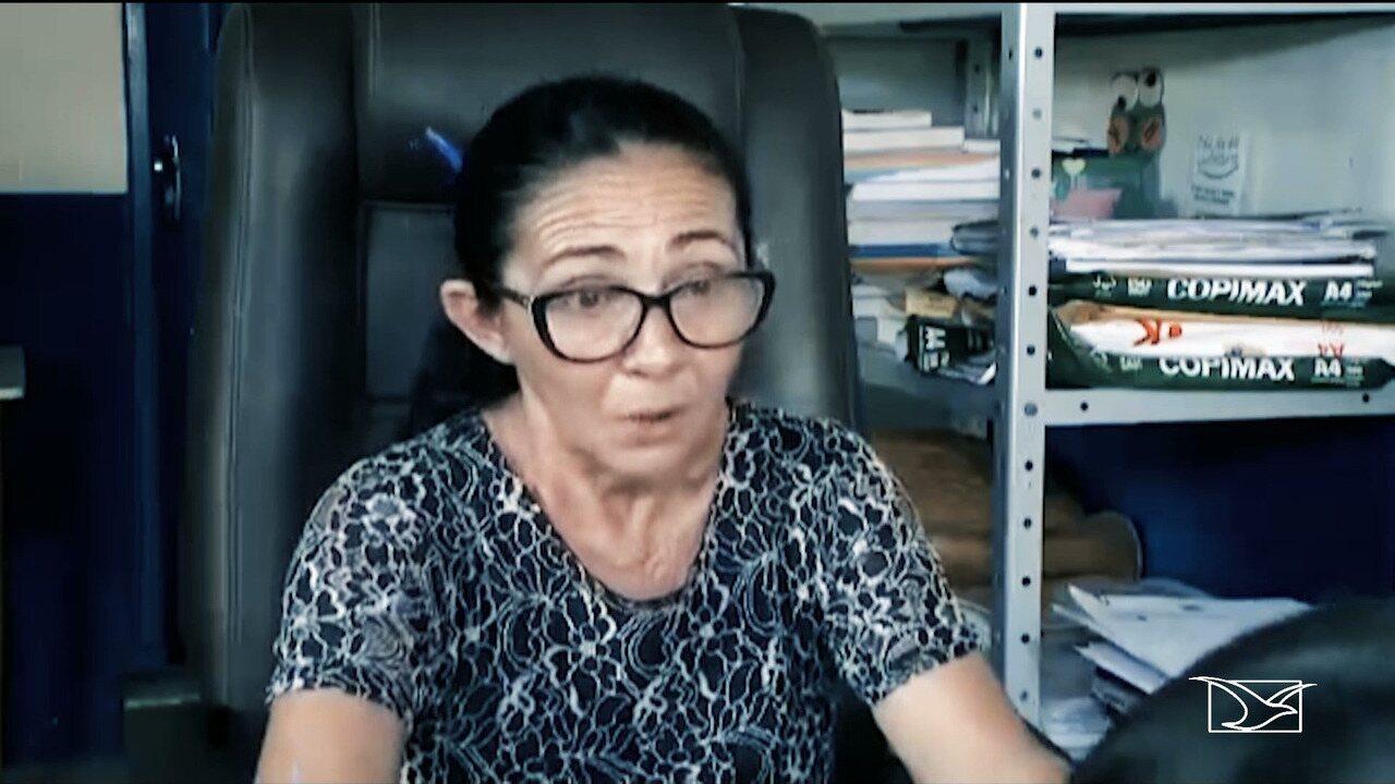 Diretora que barrou matrícula de aluno por corte de cabelo é afastada do cargo