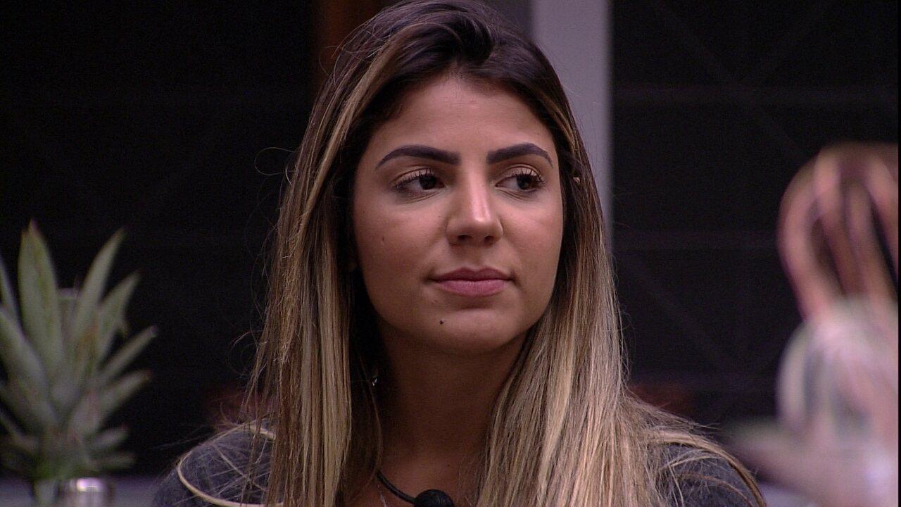 Hariany fala sobre Carolina: 'Se eu for para o Paredão com ela, eu saio'