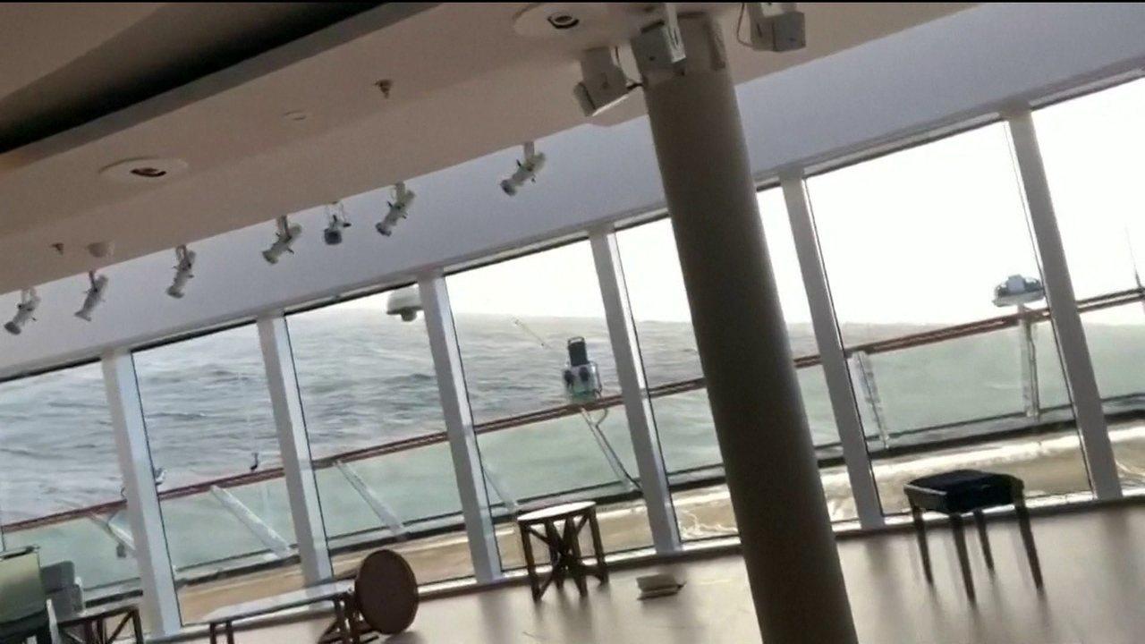 Móveis são jogados contra passageiros de cruzeiro à deriva na Noruega