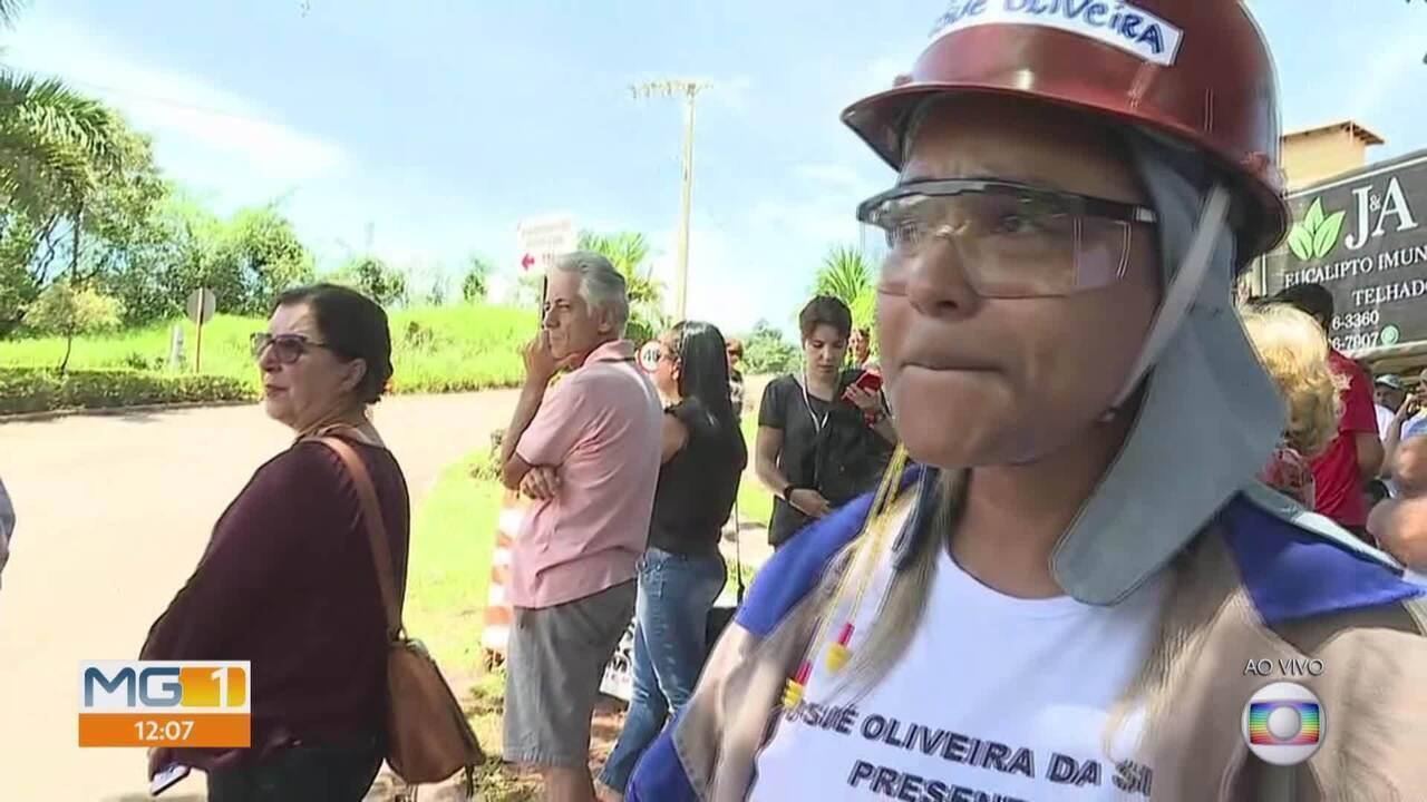 Brumadinho, presente! Em protesto, parentes fazem chamada de nomes dos mortos na tragédia