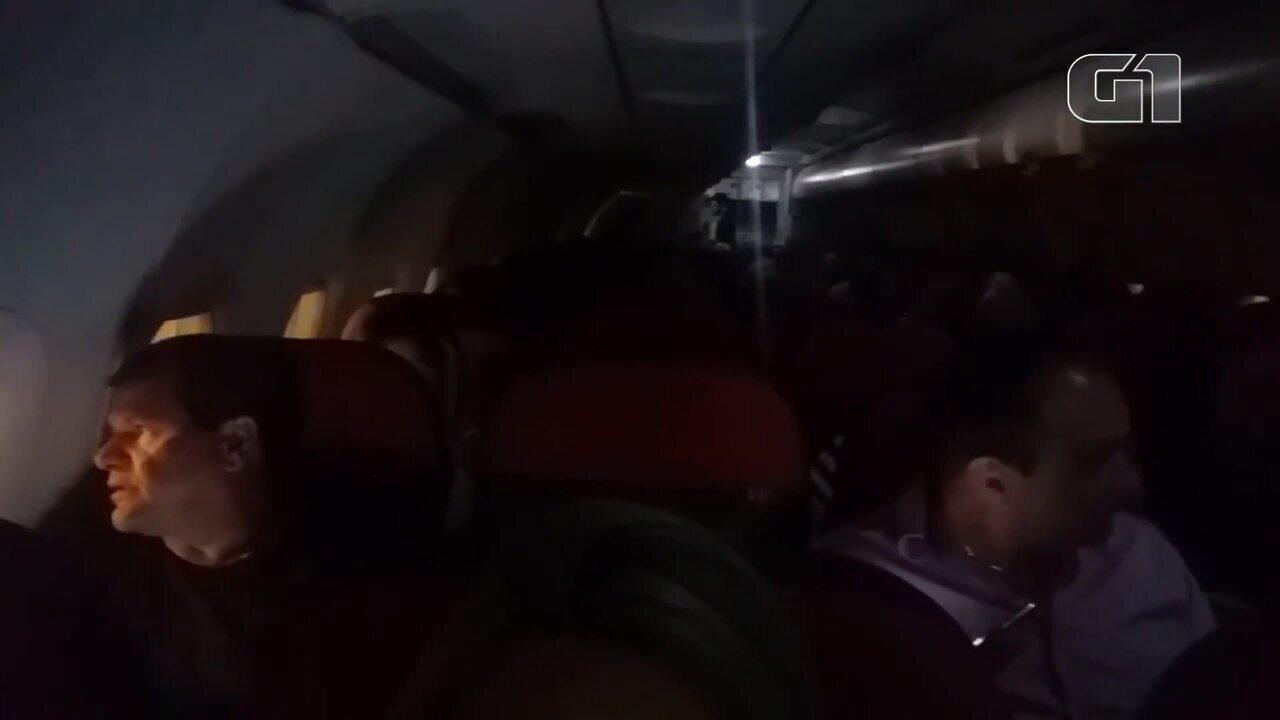 Avião sofre queda de energia em Brasília e precisa fazer 'chupeta' para decolar