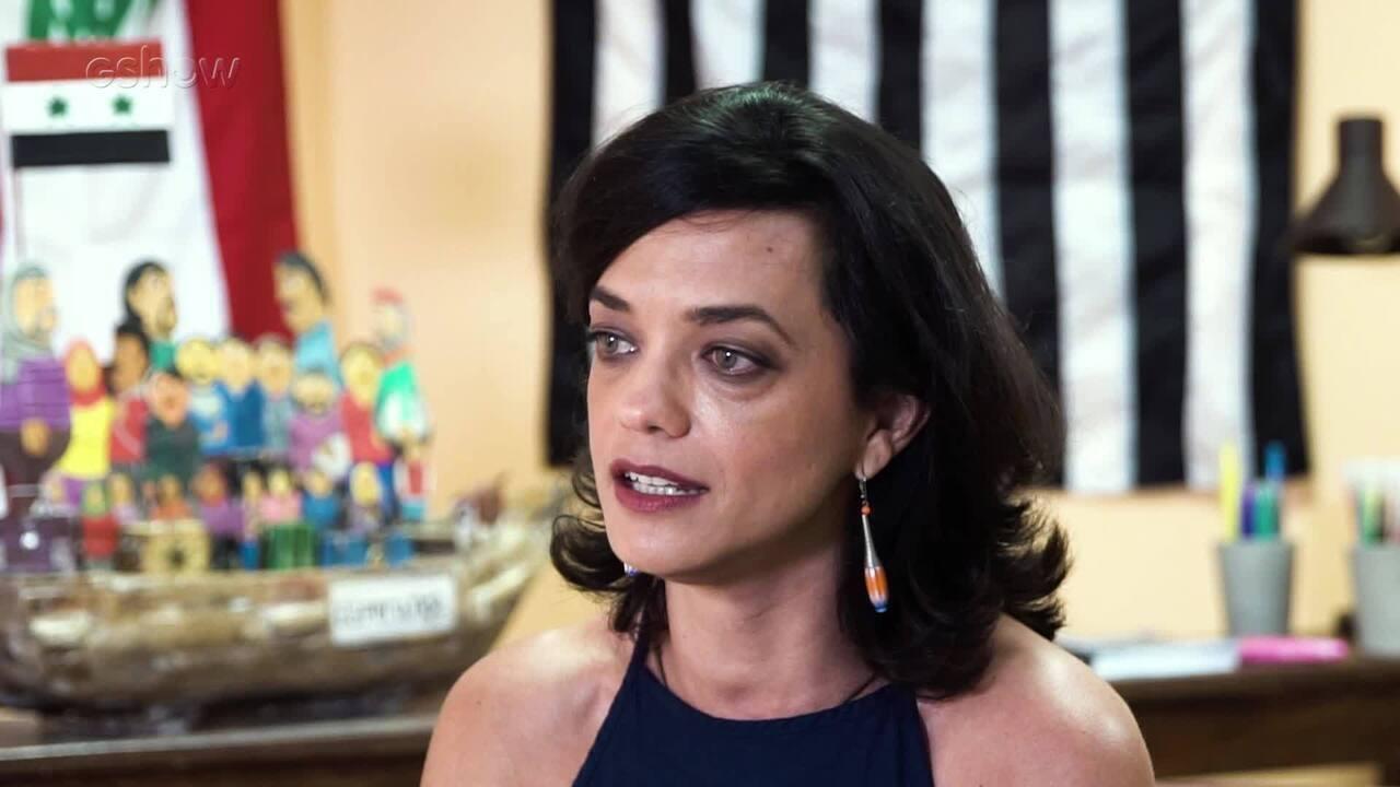 "Ana Cecília Costa Atriz ana cecília costa ressalta preparação intensa para ""Órfãos da terra"""