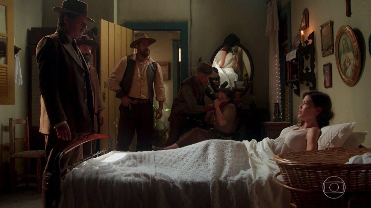 Eugênio encontra Cris/Julia na casa de Firmina