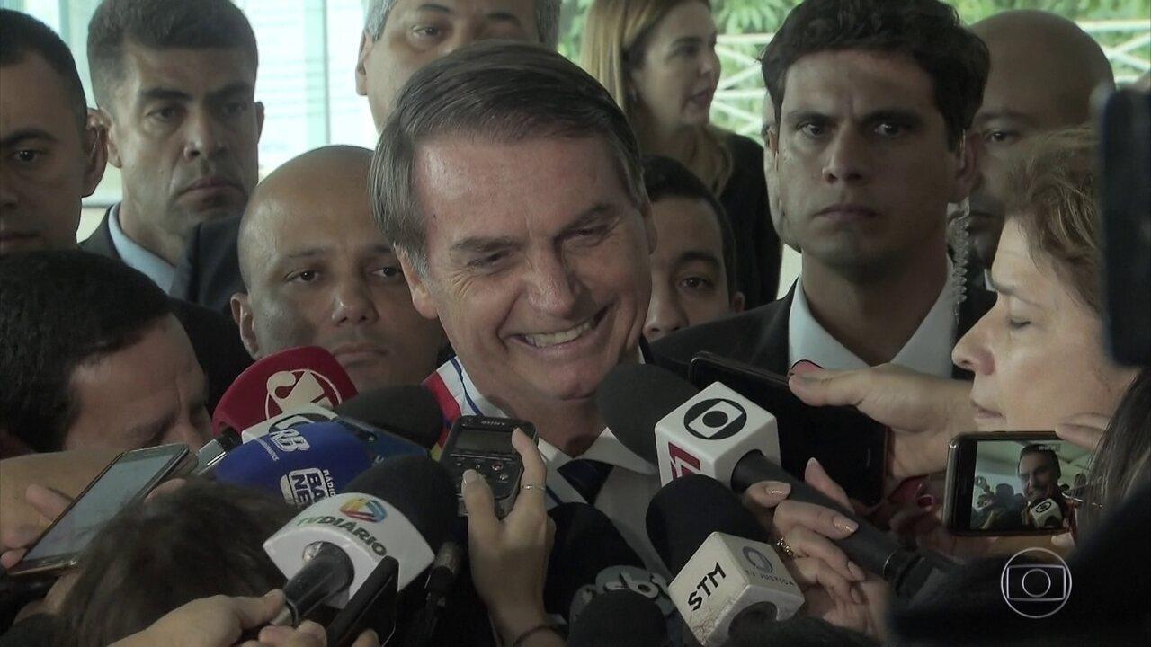 Bolsonaro diz que crise com Rodrigo Maia está superada