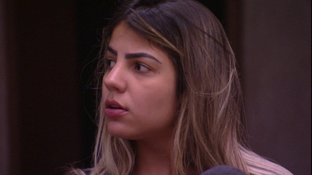 Hariany desabafa com Paula: 'Como eu queria dar uma fugida'