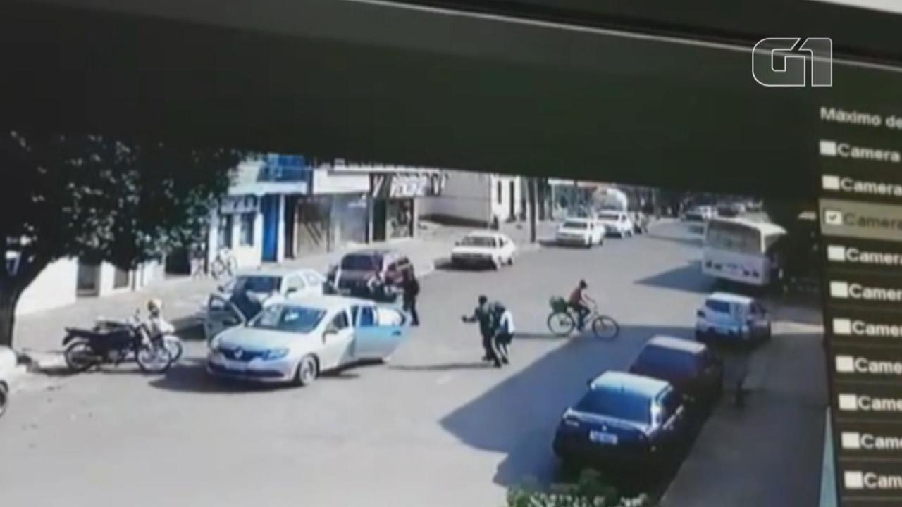 Câmeras de vigilância registram tentativa de assalto a banco em São Nicolau