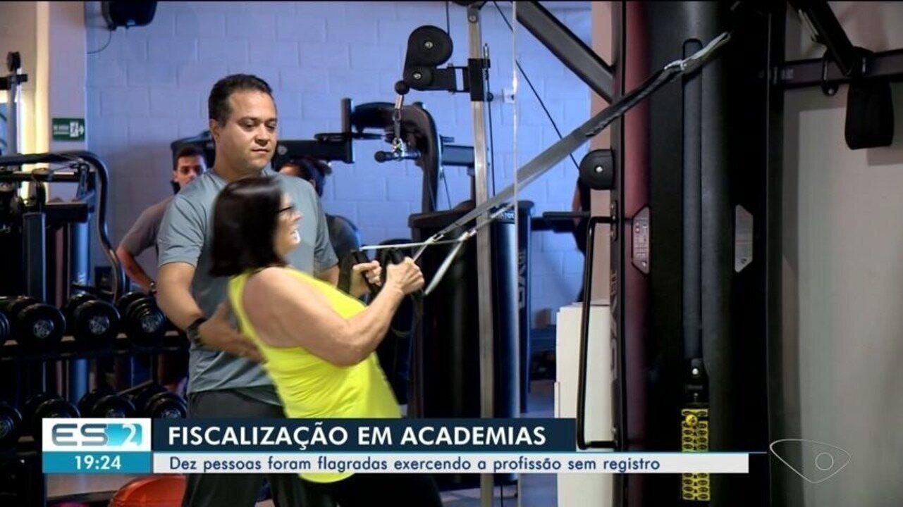Fiscalização flagra 10 pessoas atuando ilegalmente em academias de Linhares, ES