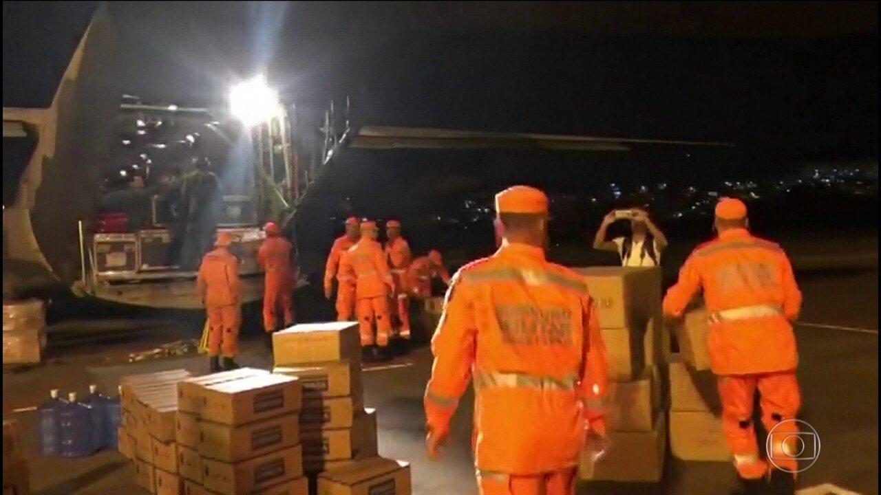 Bombeiros e agentes que atuaram em Brumadinho embarcam para ajudar vítimas de ciclone