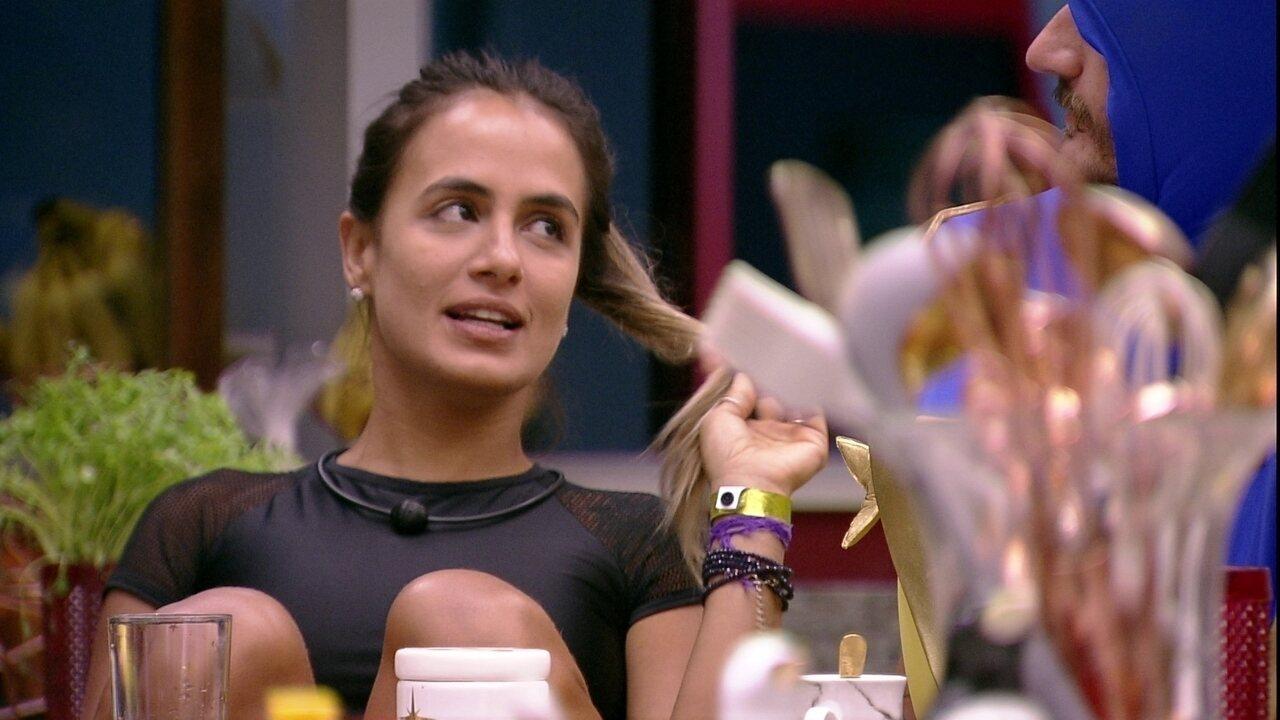 Carolina revela que se ganhasse o Anjo teria dado Monstro para Gabriela