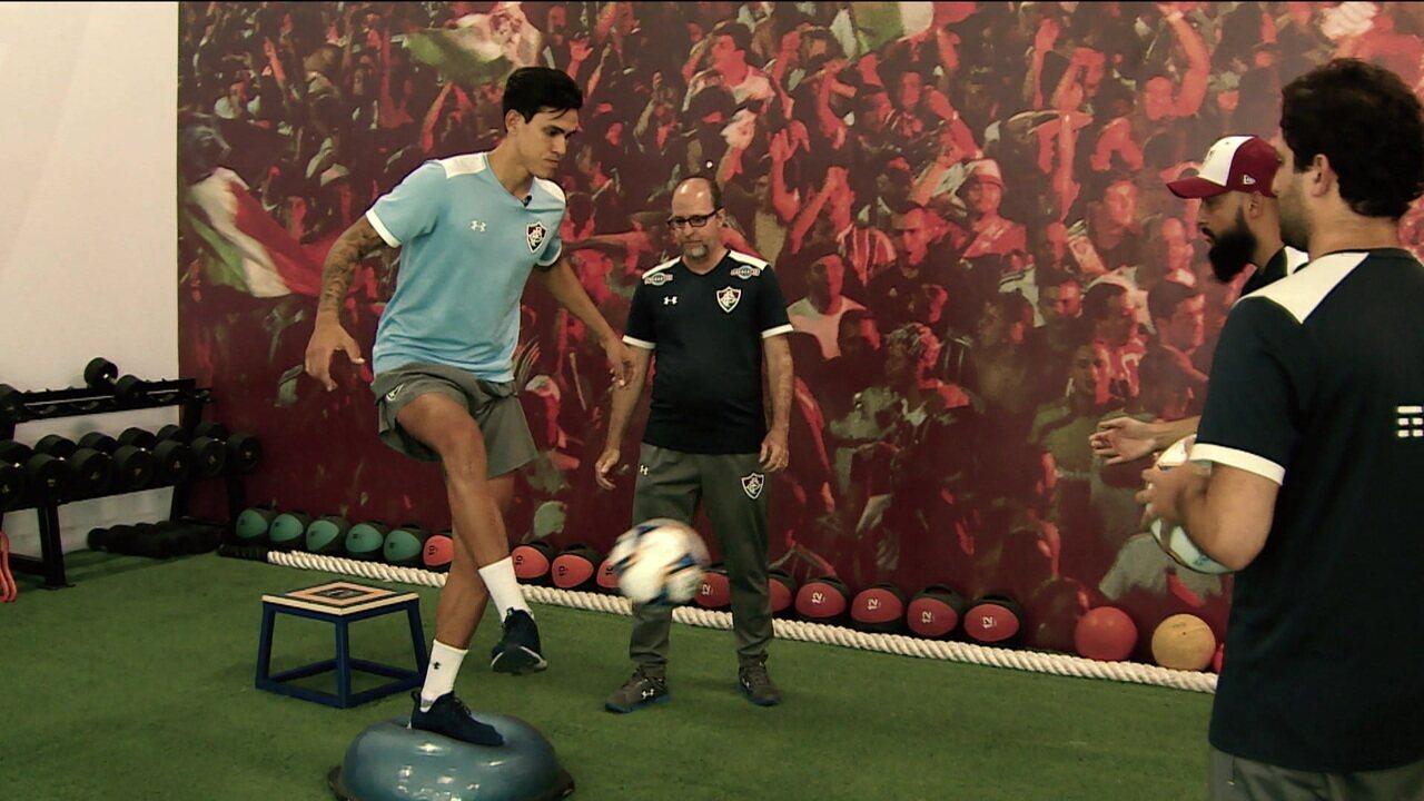 Sete meses após romper o ligamento cruzado do joelho direito, Pedro, atacante do Fluminense volta aos treinamentos