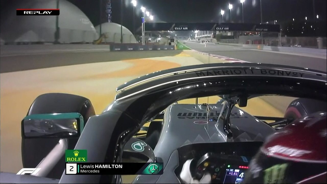 Hamilton escapa e sai da pista no GP do Barein