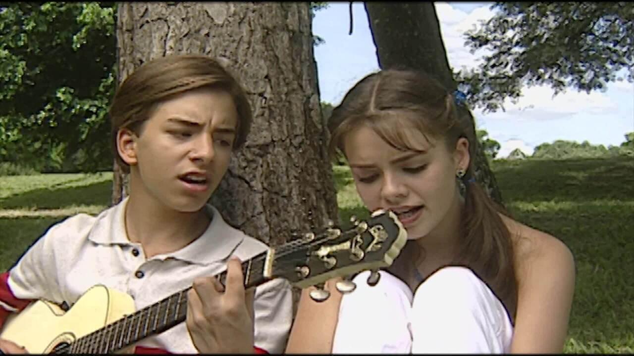 Reveja cenas do seriado 'Sandy & Júnior'
