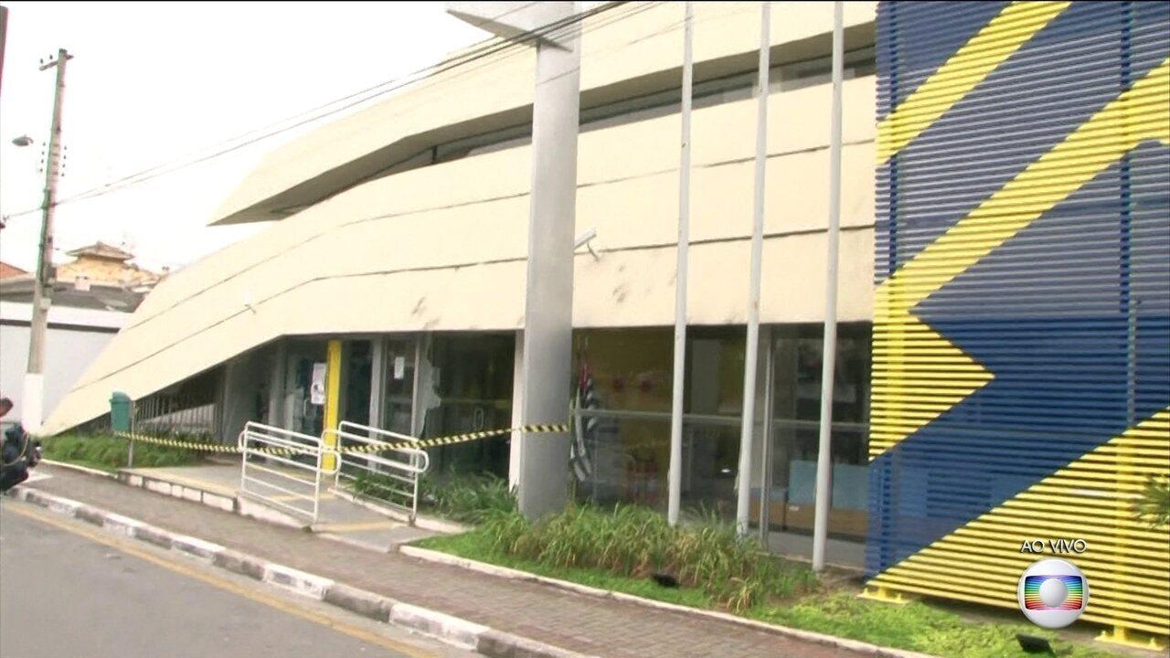 Tentativa de roubo a bancos termina com vários mortos após tiroteio em Guararema, SP