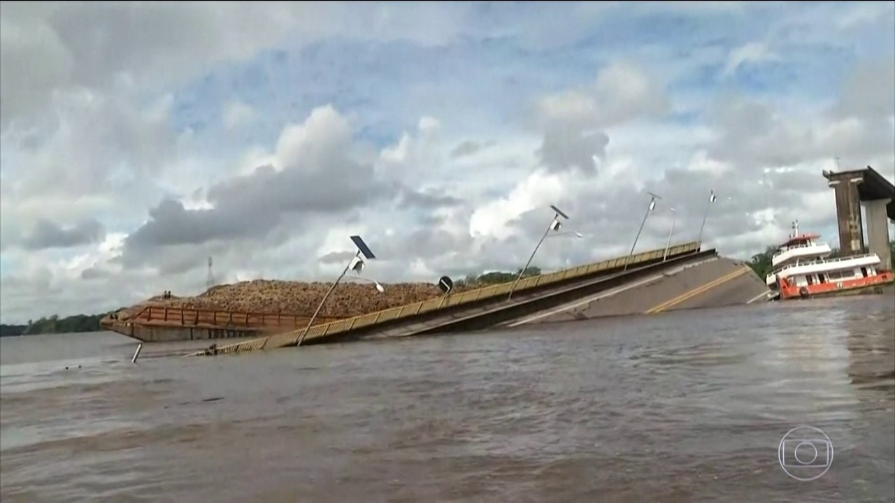 Balsa colide em estrutura e derruba parte de ponte no Pará
