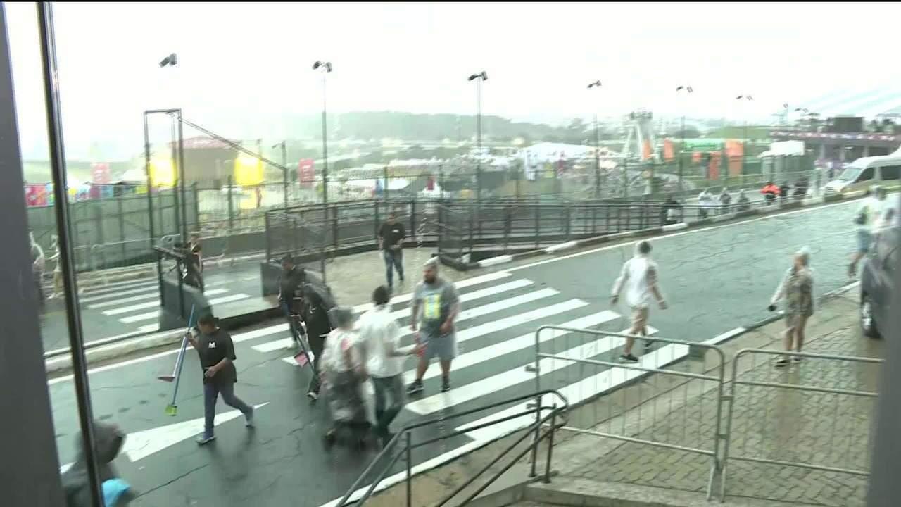 Shows do Lollapalooza são suspensos por ameça de temporal