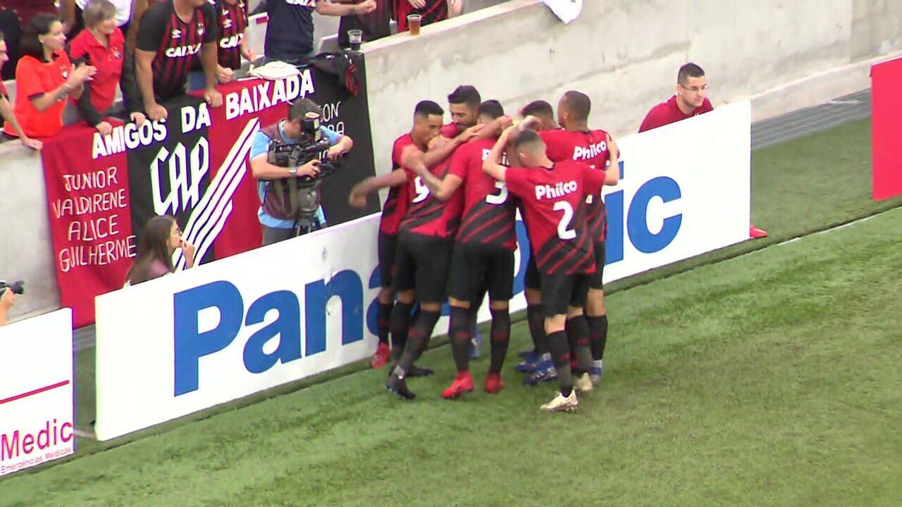 Athletico x Rio Branco-PR: gol do Furacão! Bergson bate firme e faz 1 a 0 na Baixada