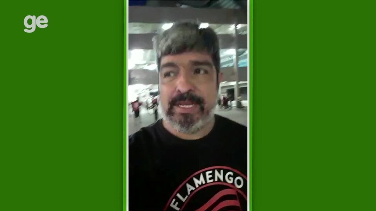 """Torcedor quase é barrado em Fla-Flu por usar camisa com os dizeres """"Flamengo Antifascista"""""""