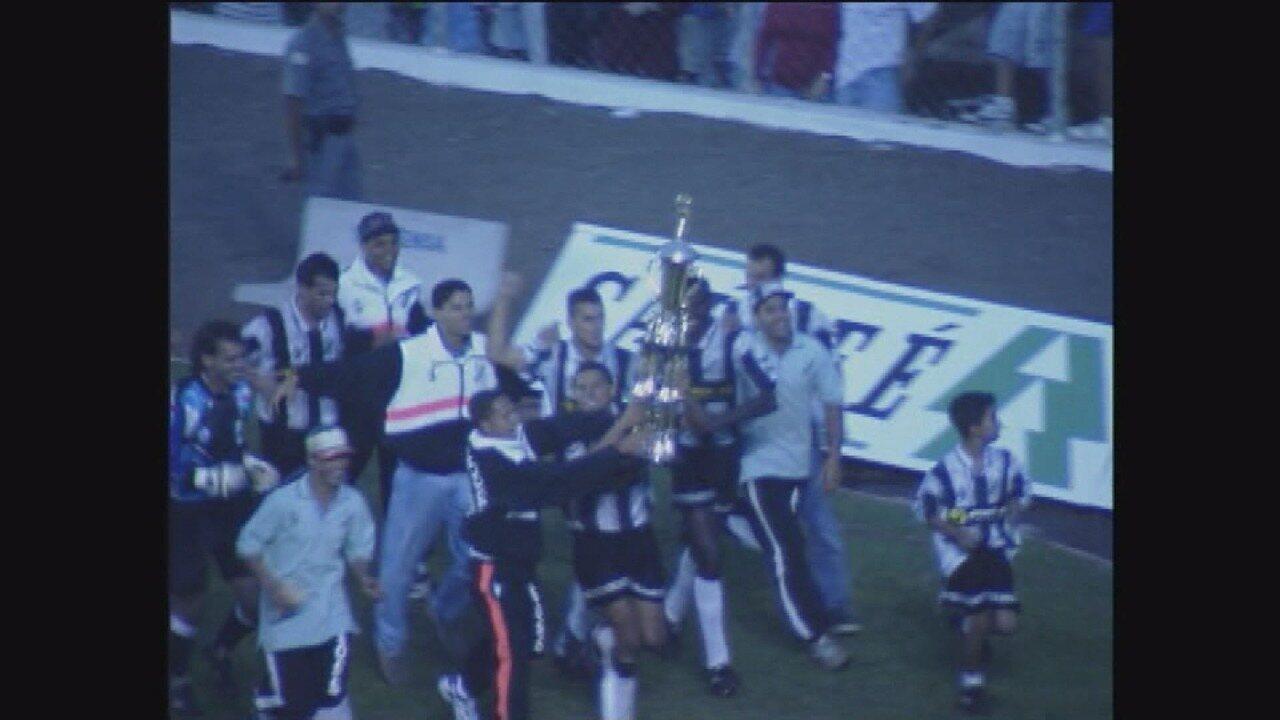 Inter conquista o acesso à elite ao superar a Portuguesa Santista, em 1996