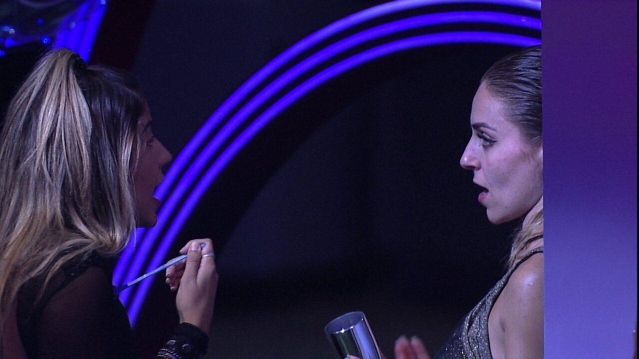 Hariany pergunta para Paula: 'Eu não tenho direito de chorar?'