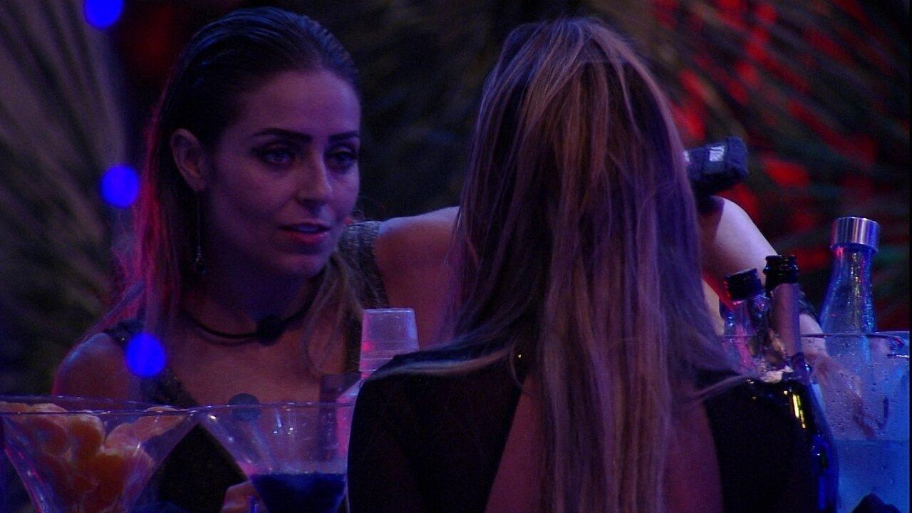 Paula confessa para Hariany: 'Eu sou sarcástica, é o meu jeito'