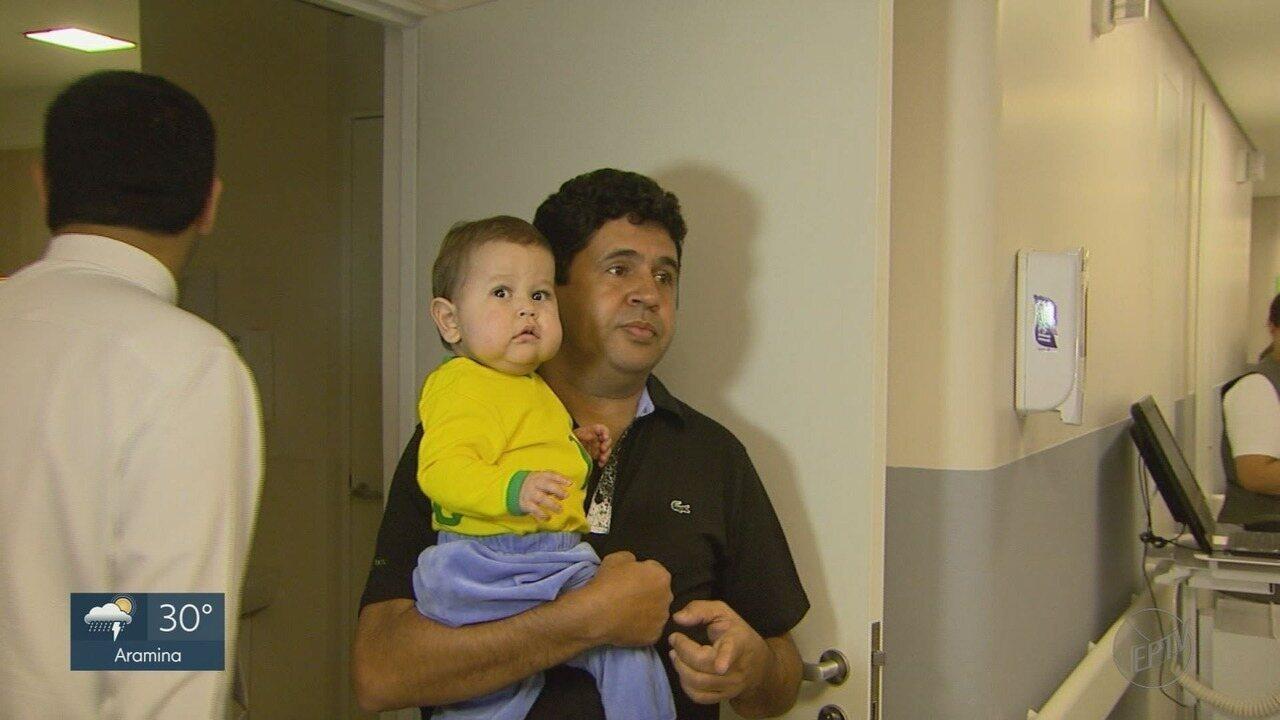 Resultado de imagem para Davi Miguel desembarca no Brasil após 3 anos nos EUA e será tratado em hospital em SP
