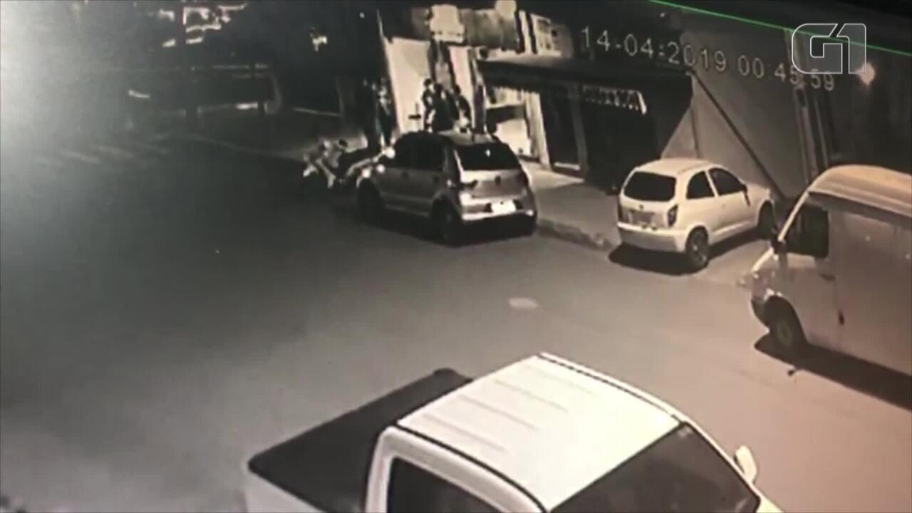 Dois jovens são mortos a tiros em bar de Nova Hartz