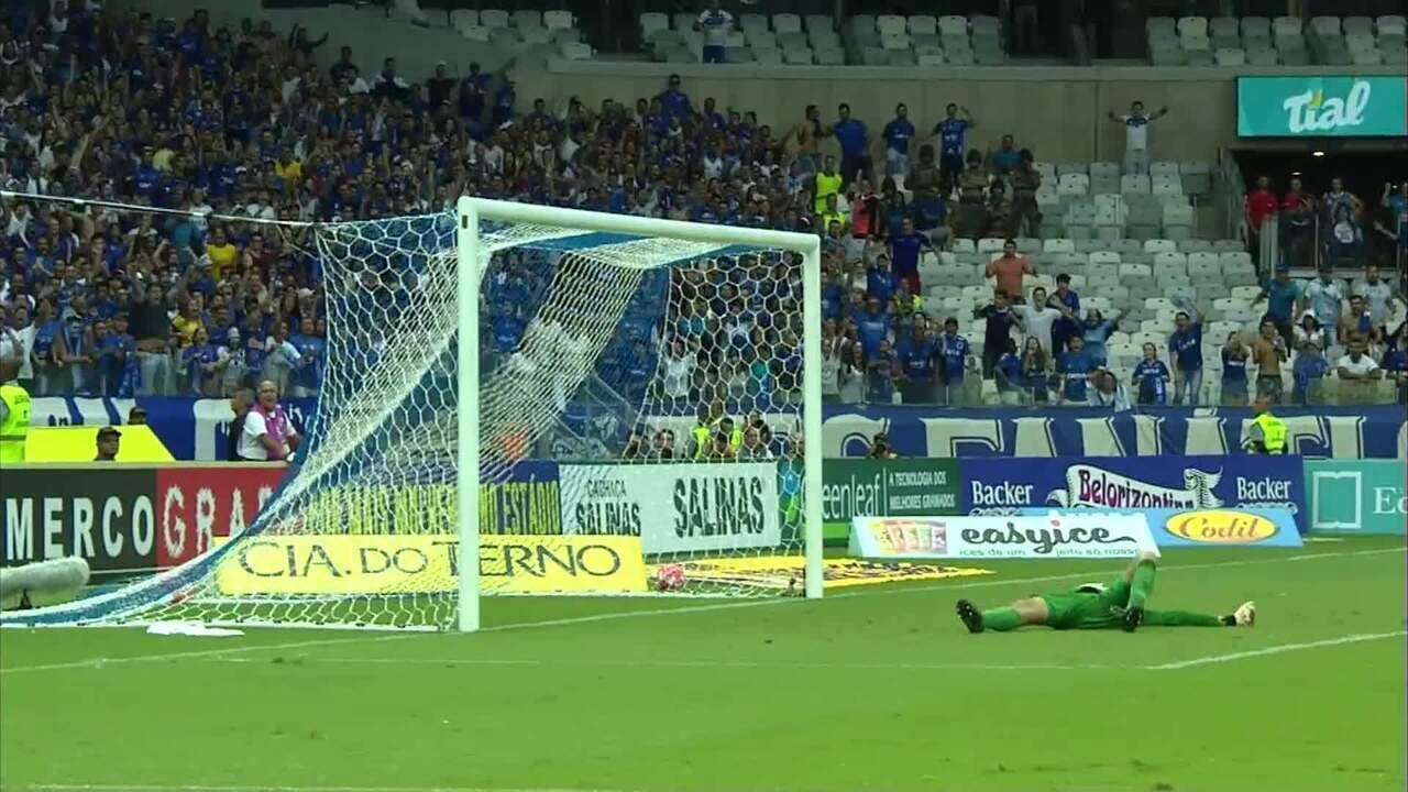 Os gols de Cruzeiro 2 x 1 Atlético-MG, pela primeira final do Campeonato Mineiro
