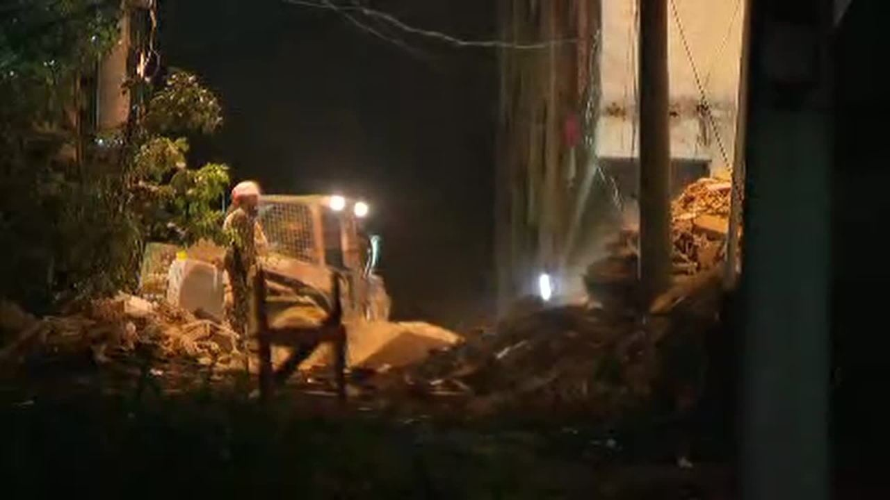 Bombeiros trabalham há 84 horas nos escombros dos prédios na Muzema