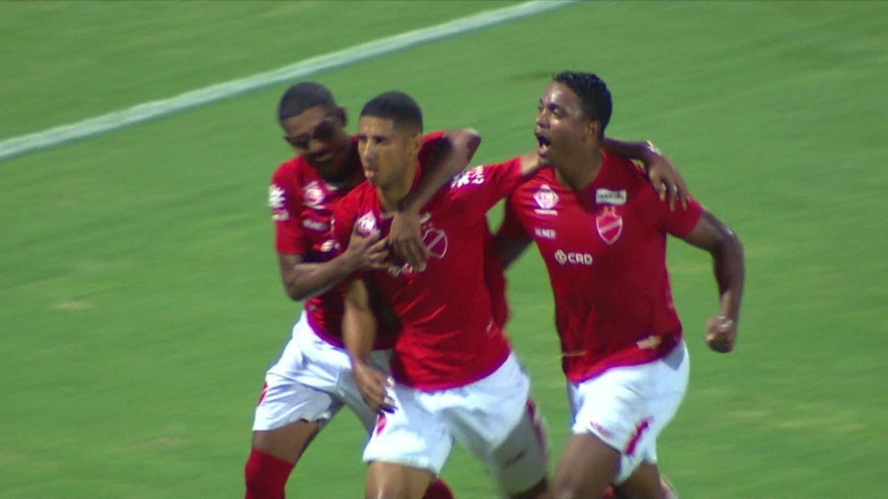 Gol do Vila Nova! Rafael Silva amplia após cobrança de pênalti, 25 do 2º