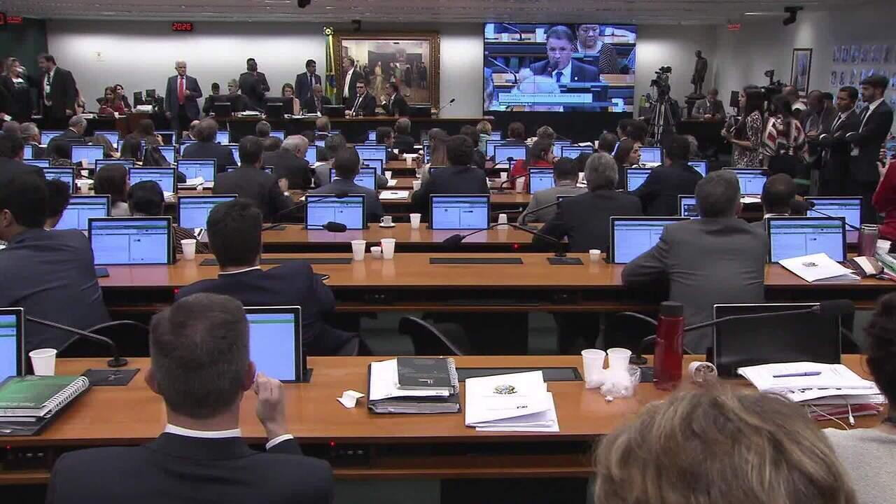 CCJ volta nesta quarta (17) a analisar relatório sobre a reforma da Previdência