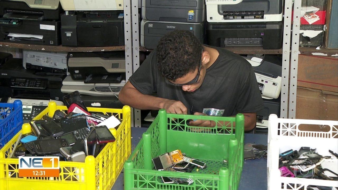 Celulares apreendidos em presídios são transformados por jovens do Recife