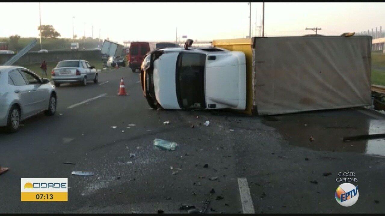 Acidente entre três veículos deixa um ferido na Rodovia Anhanguera