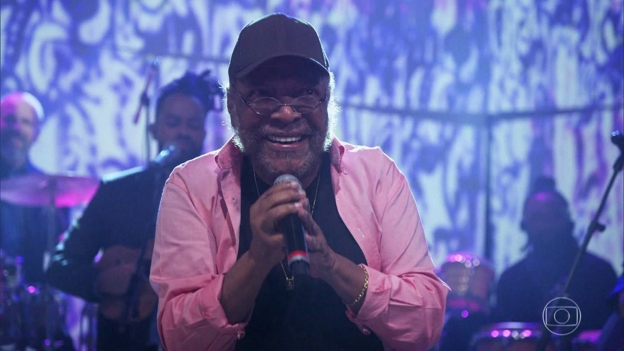 """Martinho da Vila canta """"Ex Amor"""""""