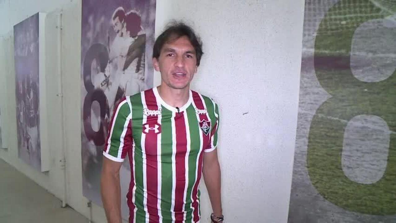 Matheus Ferraz, do Fluminense, manda recado aos cartoleiros