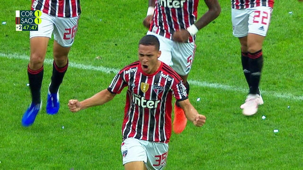 Antony faz o gol do São Paulo na derrota para o Corinthians na final do Paulistão