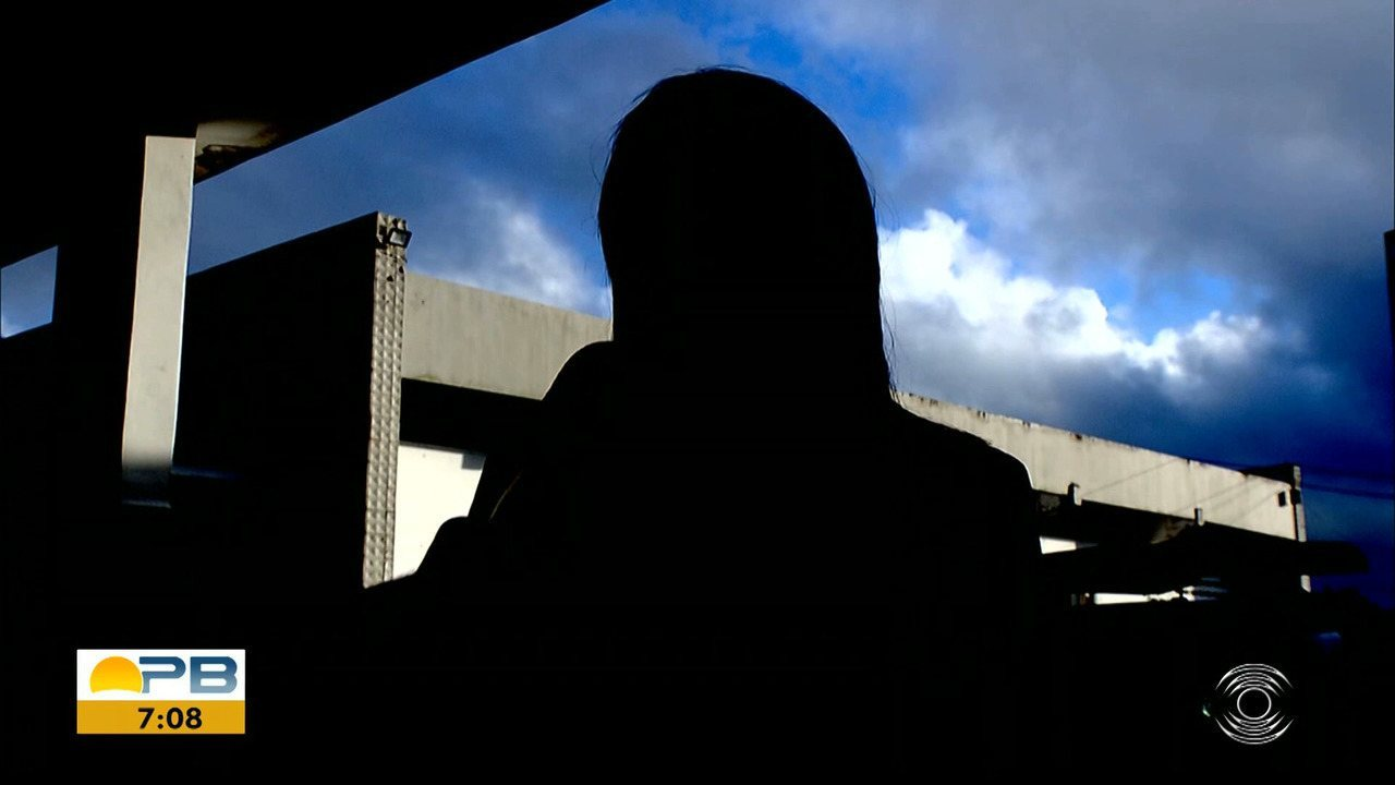 Mulher é vítima de estupro após assalto, em Campina Grande