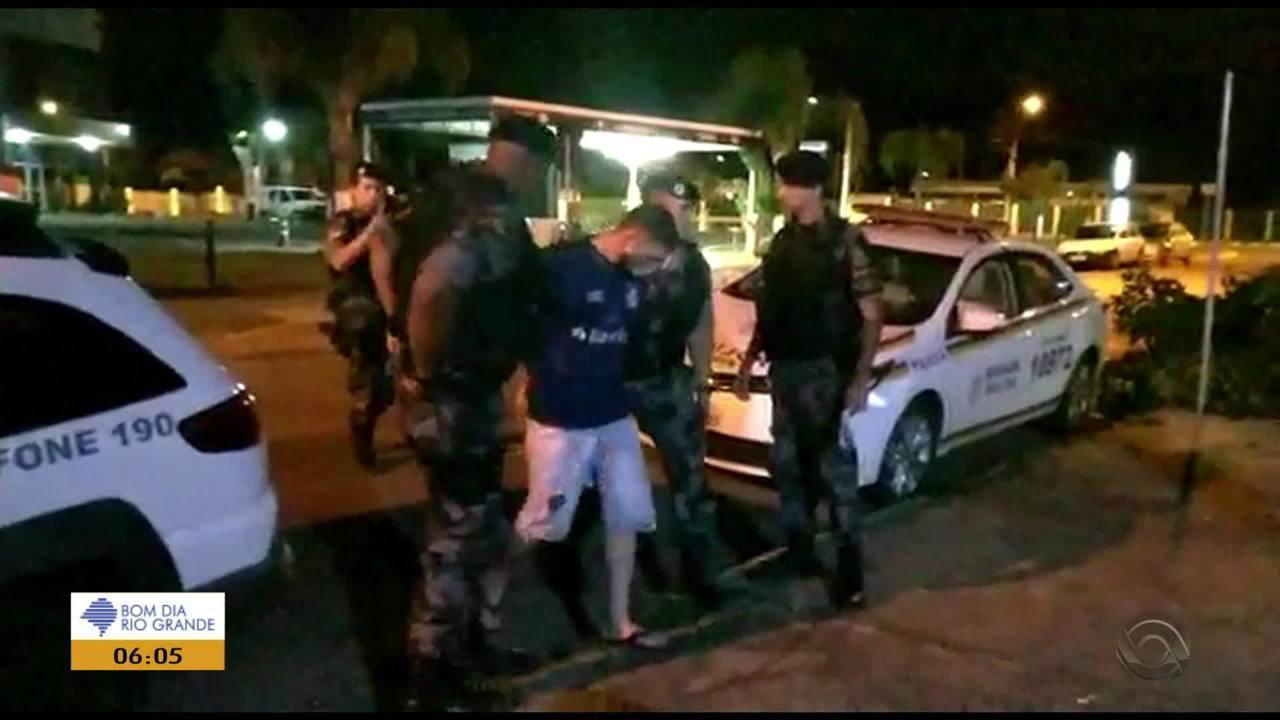 Um dos suspeitos de matar pai e filho em assalto a joalheira em Estância Velha é preso