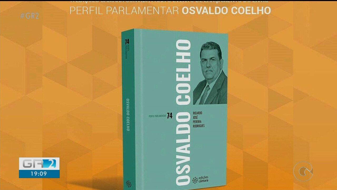 Livro sobre Osvaldo Coelho é lançado em Brasília