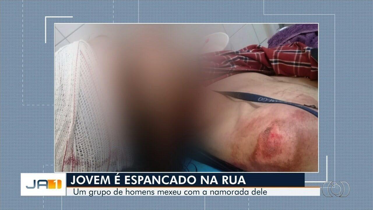 Jovem é agredido em Goiânia após homens assediarem a namorada dele; vídeo