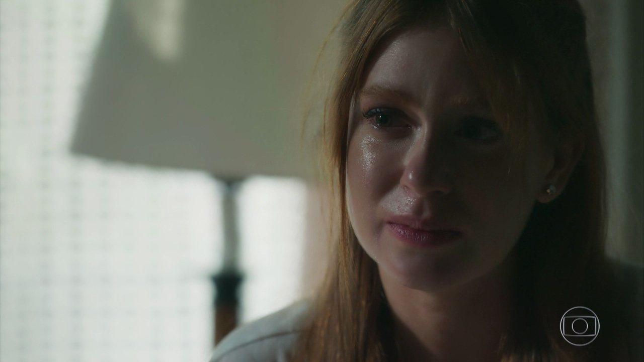 Luz reconhece Ondina como mãe e elas se abraçam emocionadas