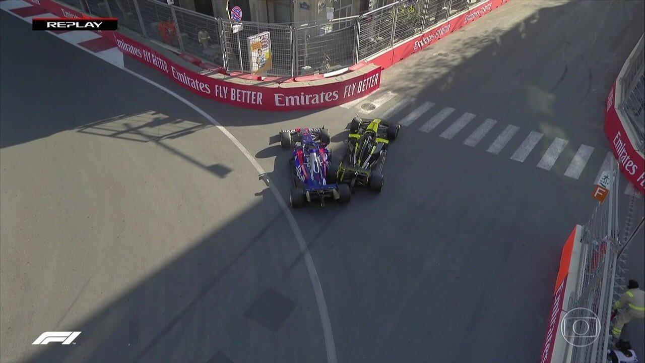 Acidente bizarro na pista durante GP do Azerbaijão